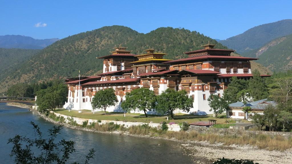 Punakha Dzong Tour - Amedewa Tours and Trek